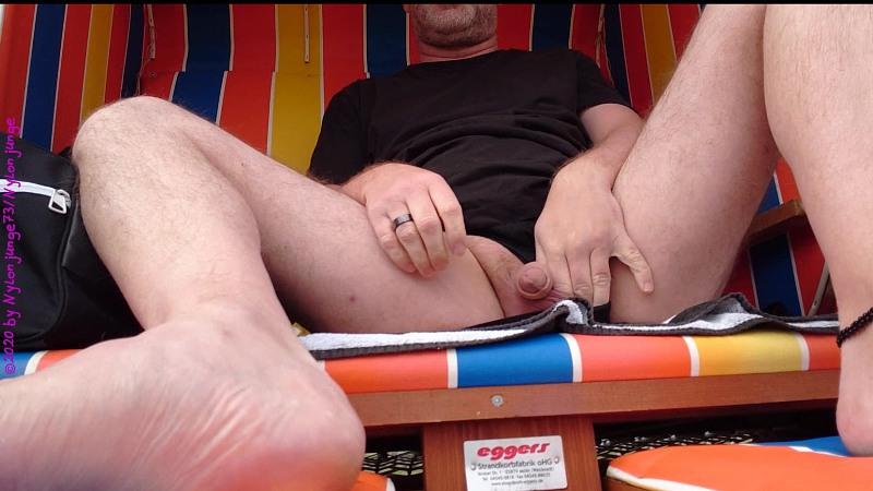 Geil im Strandkorb Wangerland 1 ** Fummeln ** Gay Download Bild